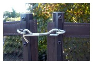 Mesh Fence Pole Tension Latch